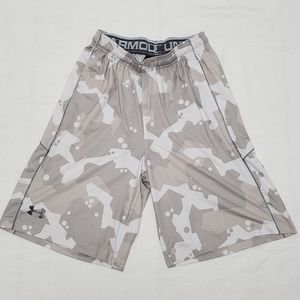 Under Armour Men's small loose fit Athletic Shorts
